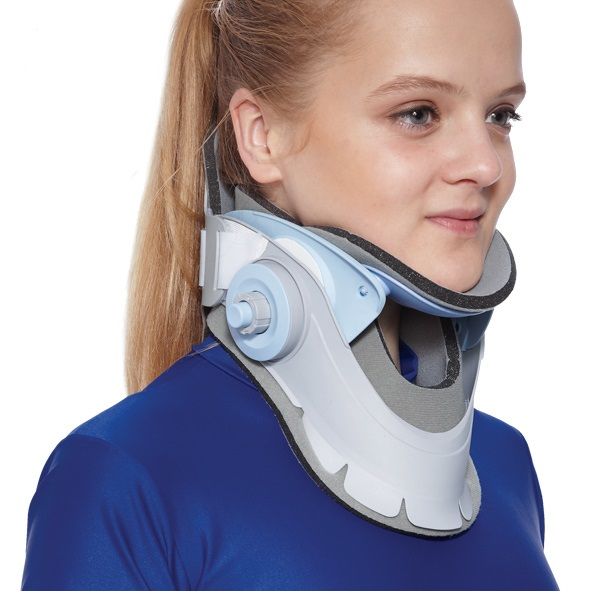 Easy cervicle collar with height adjustment device and lock system amaris medical solutions
